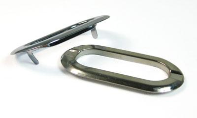 48mm小判ハトメ飾りは表側に2本の「ツメ」があります。